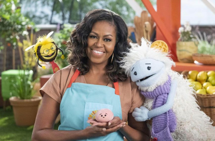 Netflix New Kids Series with Michelle Obama: Waffles and Mochi